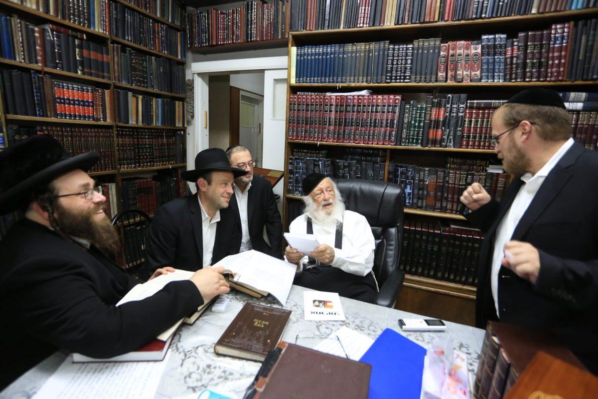 הרב פוברסקי בשיחה עם עמותת אחריות